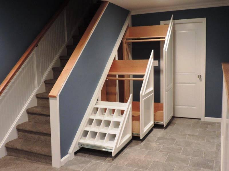 шкаф под лестницей в прихожей фото