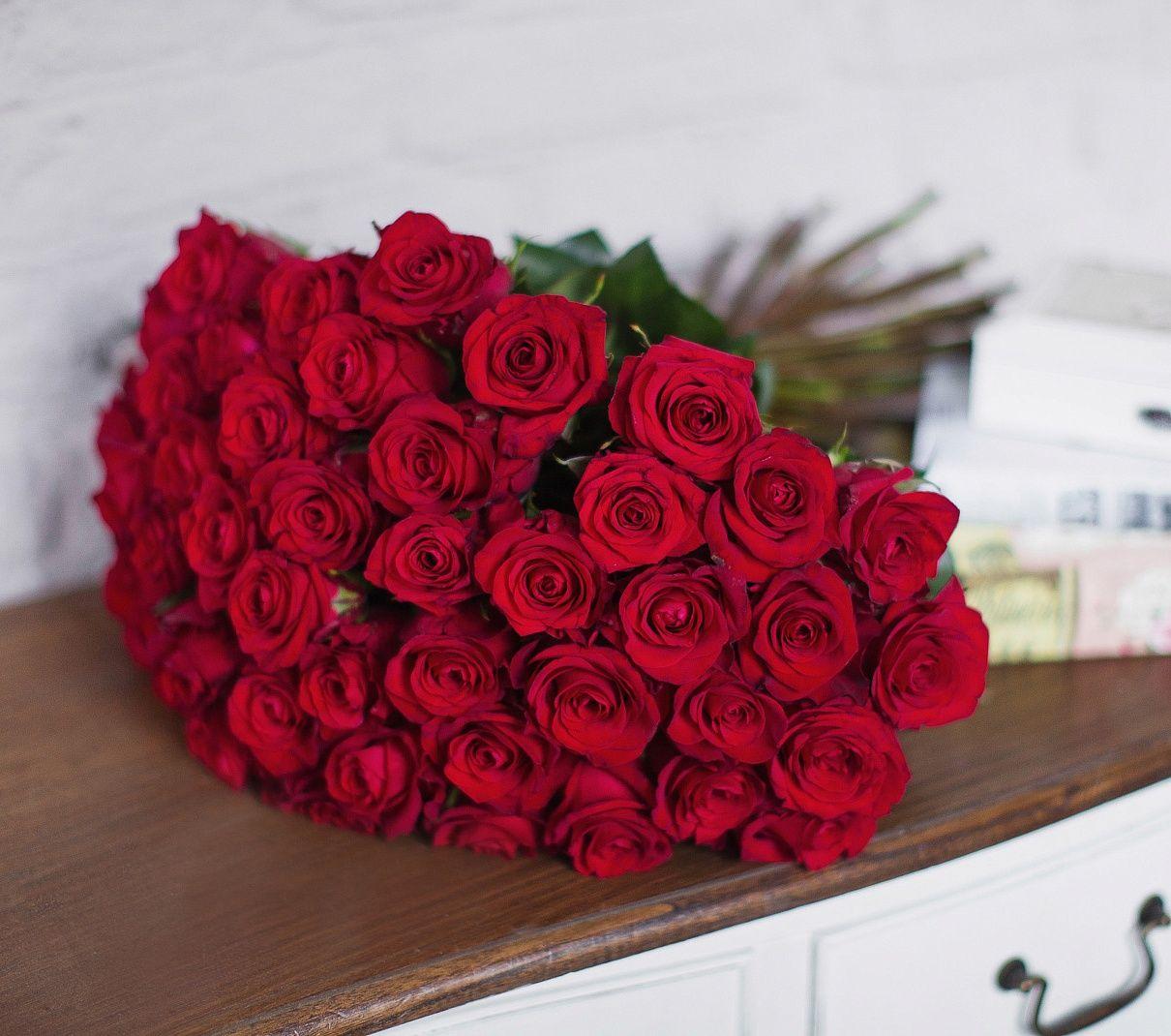 Розы – самые популярные и поистине королевские цветы